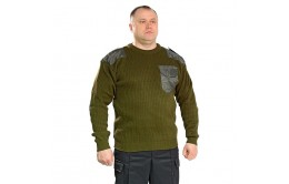 Зеленый свитер охранника