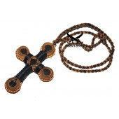 Крест-подвес кожаный