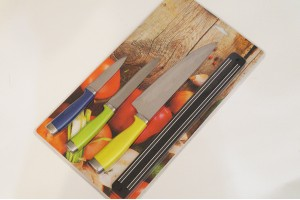 Набор 3 ножа и магнитный держатель в блистере