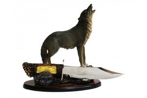 """Нож сувенирный на подставке """"Волк"""""""