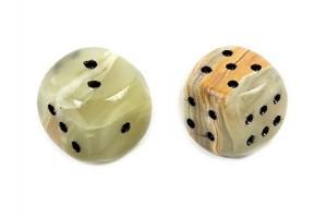 Кубики игральные из оникса